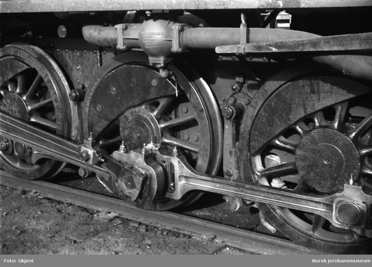 Damplokomotiv type 39a nr. 168 - drivaksler