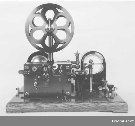 Telegrafapparat, feltapparat morsefeltstasjon. Sept 1914. Elektrisk Bureau.