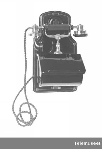 Telefon, veggapparat i stål, mtlf.liggende, klokke 2000 ohm. Elektrisk Bureau.