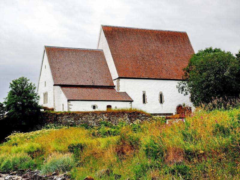 Trondenes kirke nord for Harstad er fremdeles i bruk.