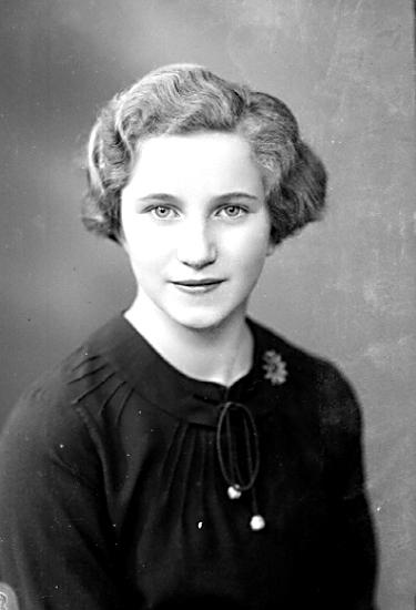 Bildtext: Skara. Sonja Lindblom. År 1936.
