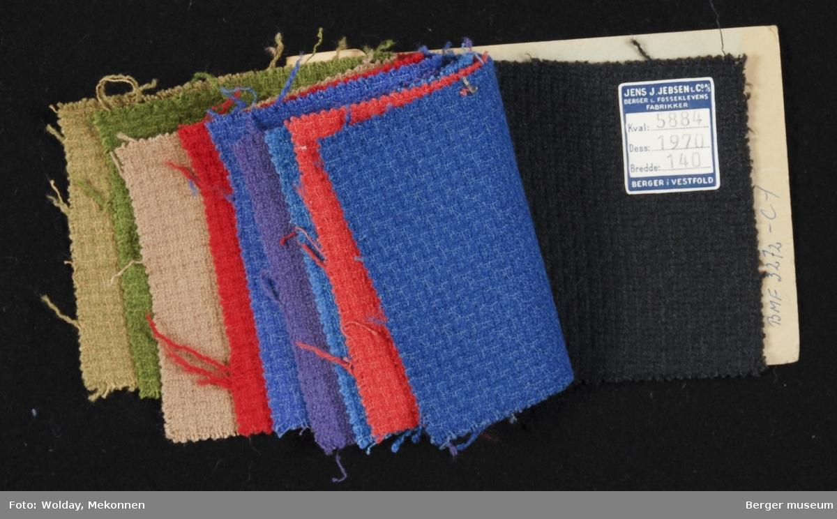 Prøvehefte med 10 prøver Drakt/kåpe, bekledning Kvalitet 5884 Stykkfarget