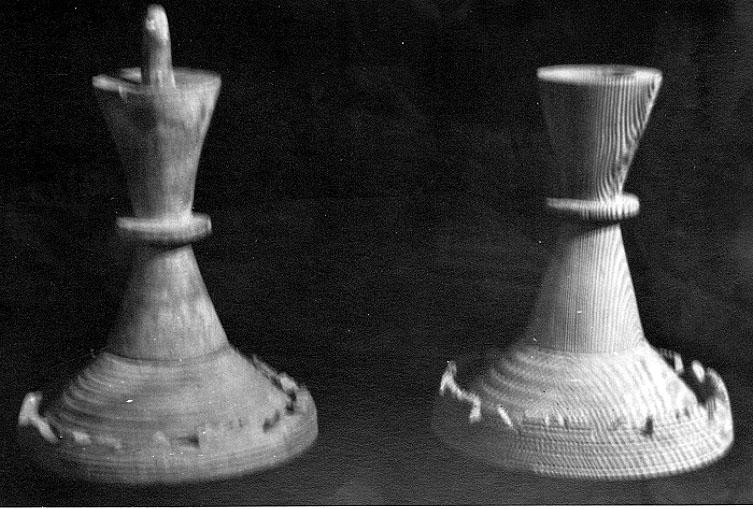 Bildtext: Ljusstakar av trä. Thures egen produktion av hantverk. Samtid förvärv: Thure Elgåsens samling