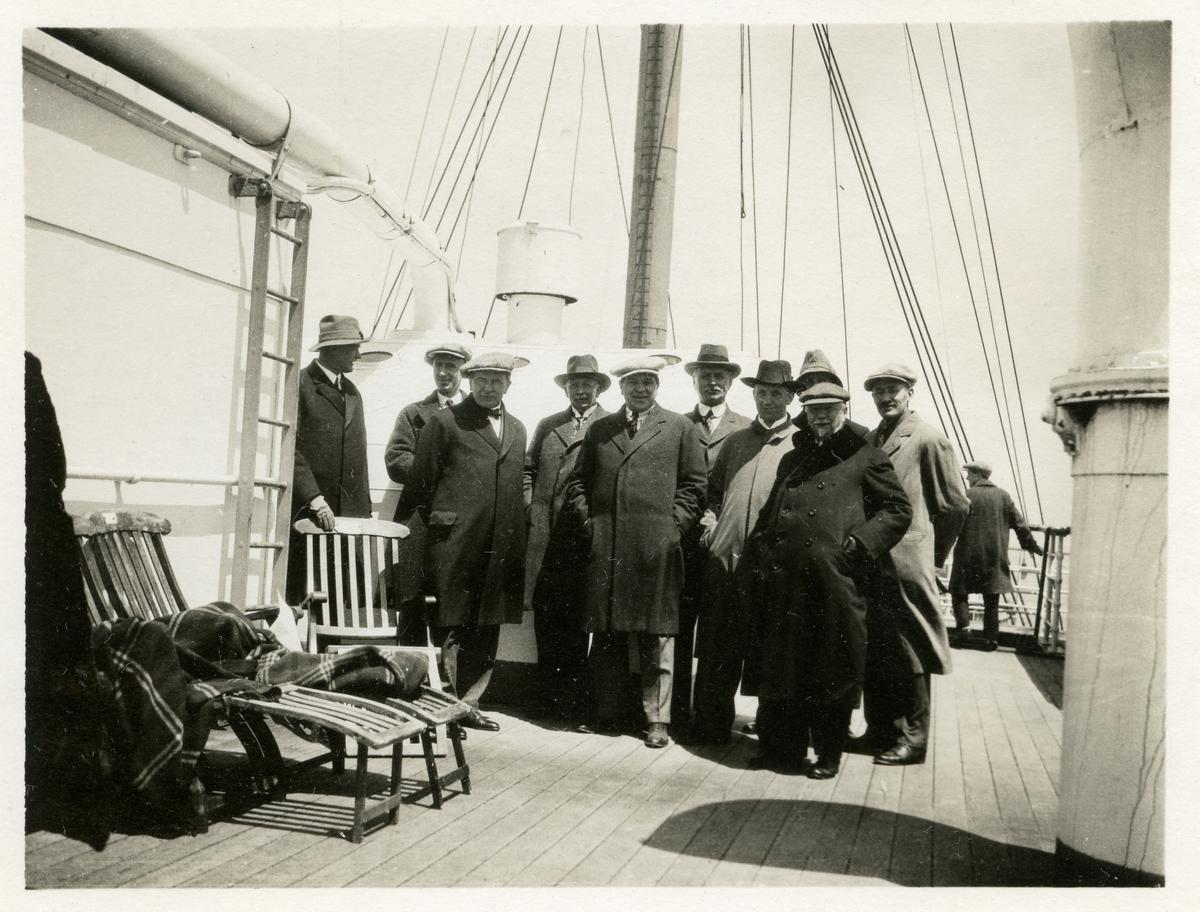 Nordmannsforbundet på vei til Amerika med Stavangerfjord i 1925.