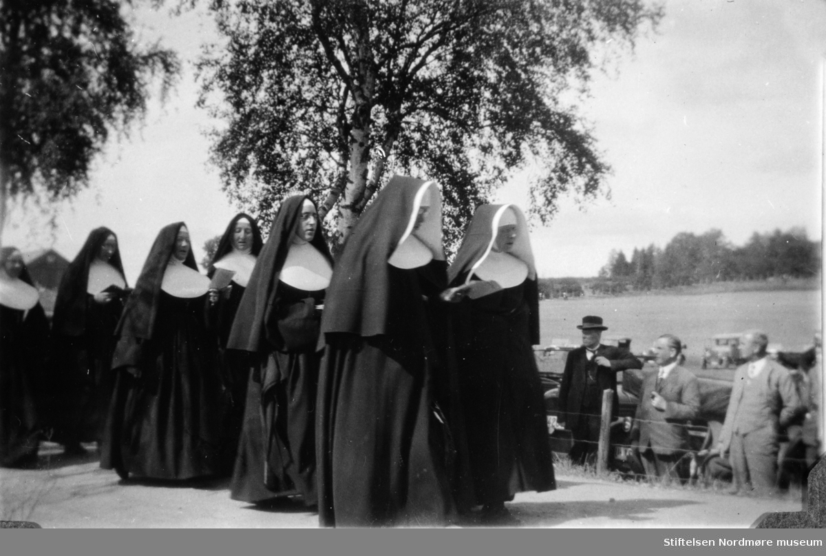 Ole Mollan fra Kristiansund på feiring av slaget på Stiklestad 900 år, 1930.  Info: Astrid Mollan. Fra Nordmøre Museums fotosamlinger.