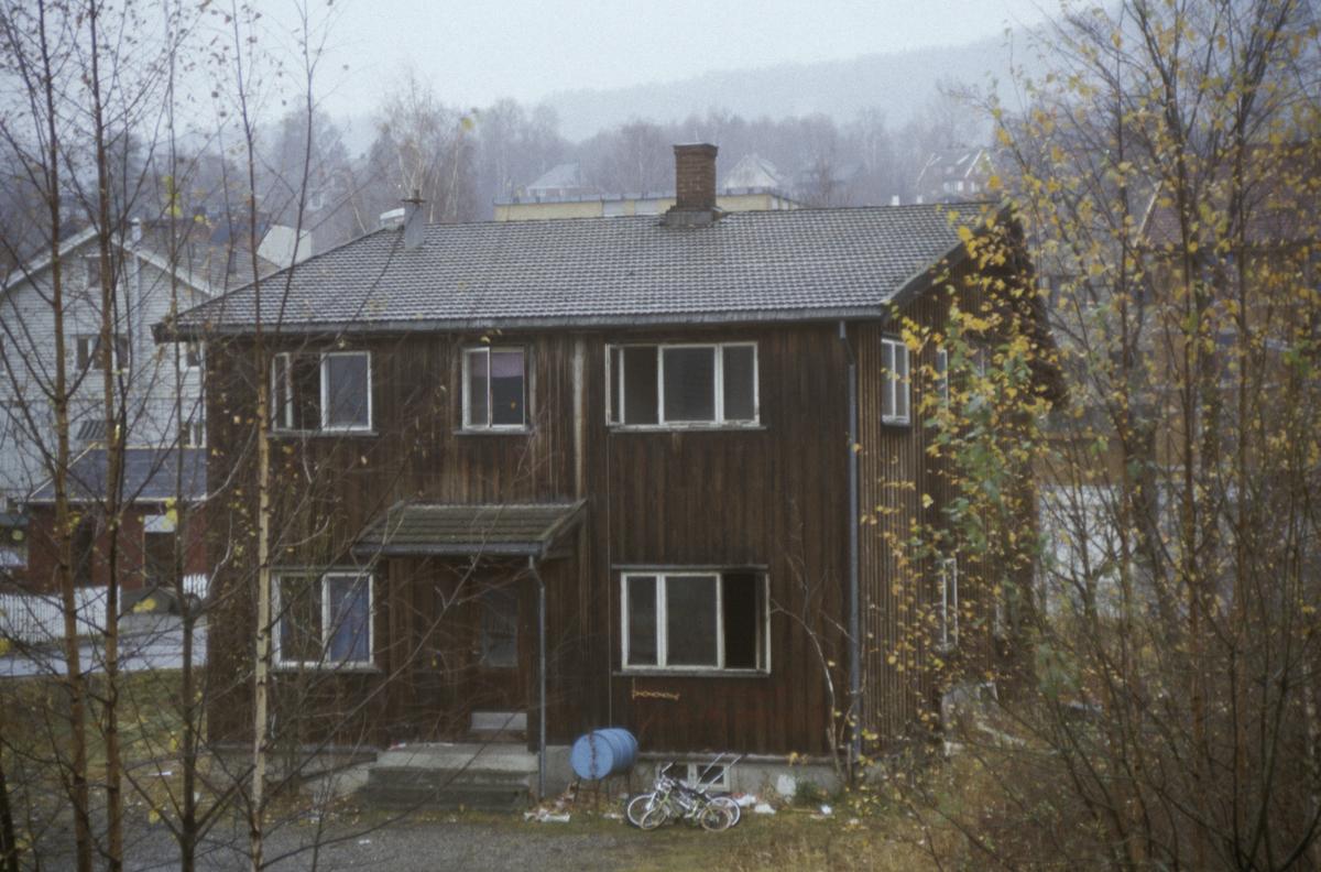 Lillehammer sentrum, bolighus i Fåberggata, bygget skal rives, mot øst