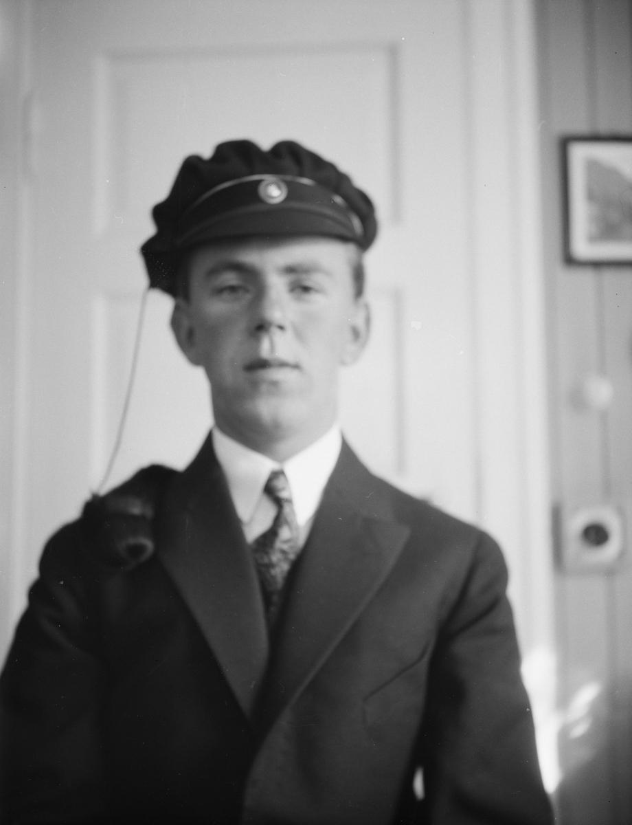 Ivar Kluften med studentlue