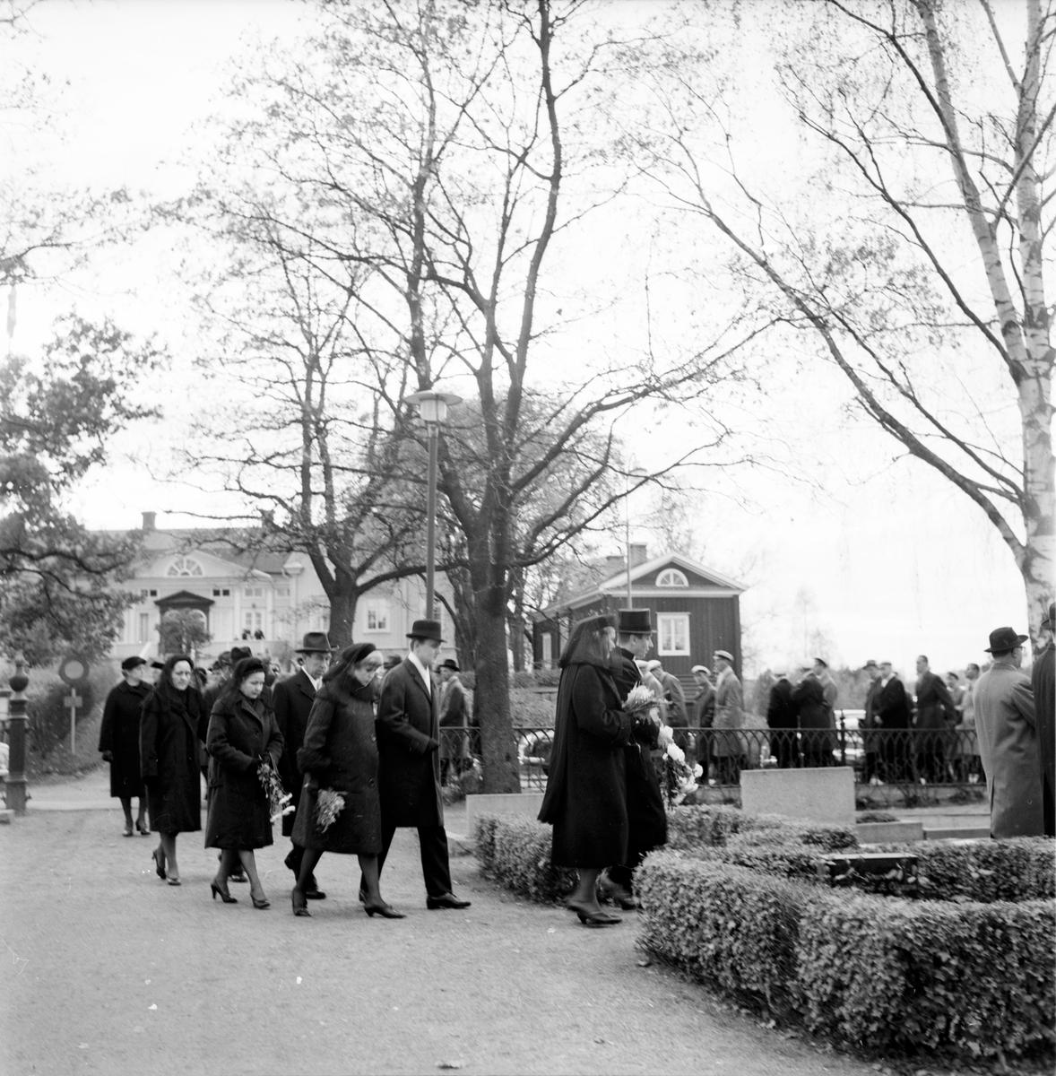 Landshövding Lingmans gravsättning i Bollnäs,