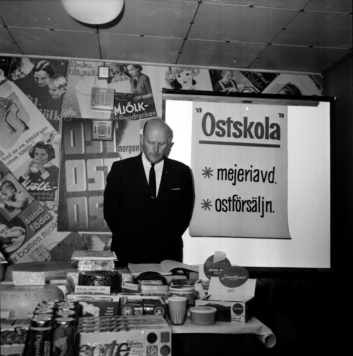 """Mejeriföreningen, """"Ostskola"""" på Mejeriet, 30 Autg 1965"""