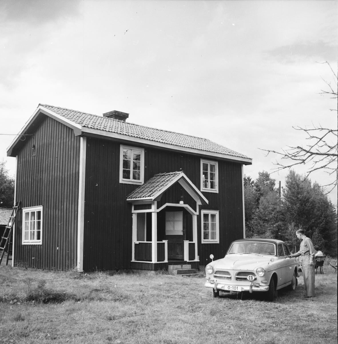 Tödal Ole, Sveriges ambassadör i Bonn är torpägare Mörtsjö, Arbrå kommun Ståtlig bondgård Växbo Bollnäs