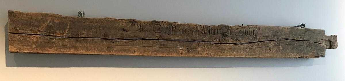 Tømmerstokk [Skulptur]
