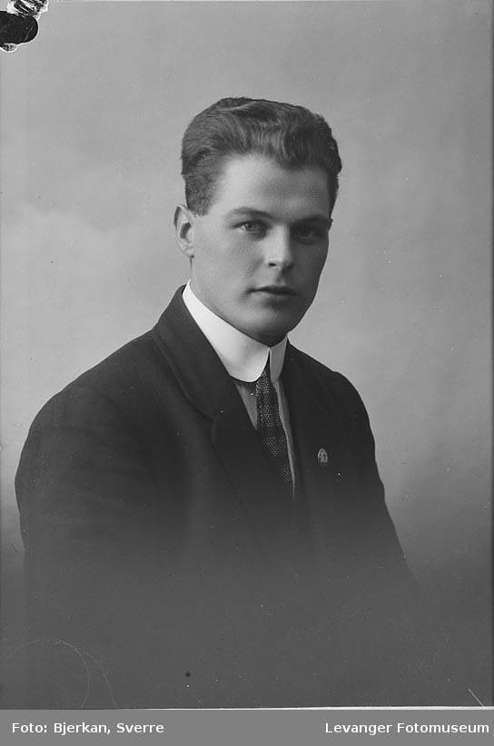 Portrett av Tore Hals.