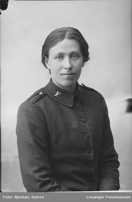 Portrett av Nielsen Agnes.