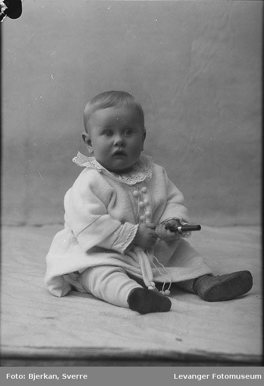 Portrett av Mestvedts barn navn ukjent.
