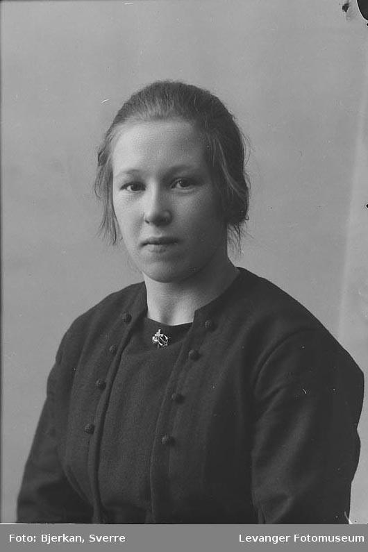 Portrett av Anna Viktilli
