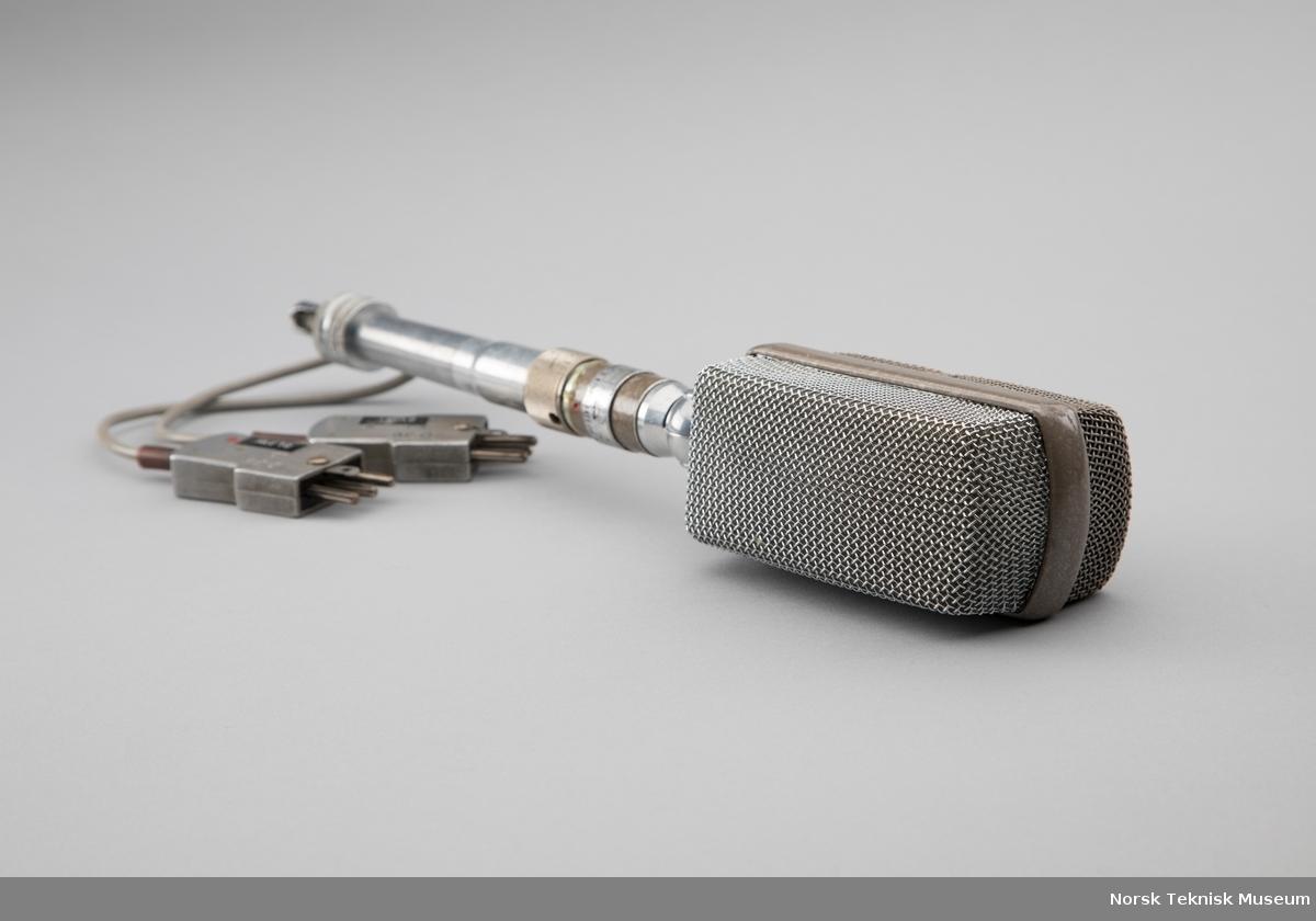 Mikrofon med to ledninger