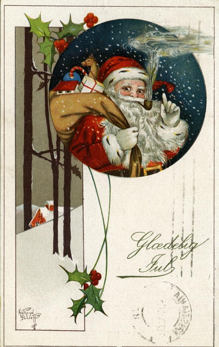 Julekort. Jule- og nyttårshilsen. Vinterillustrasjon med snø, hus, trestammer og kristtorn. samt bilde av piperøkende julenisse med gavesekk. Stemplet 28.12.1920.