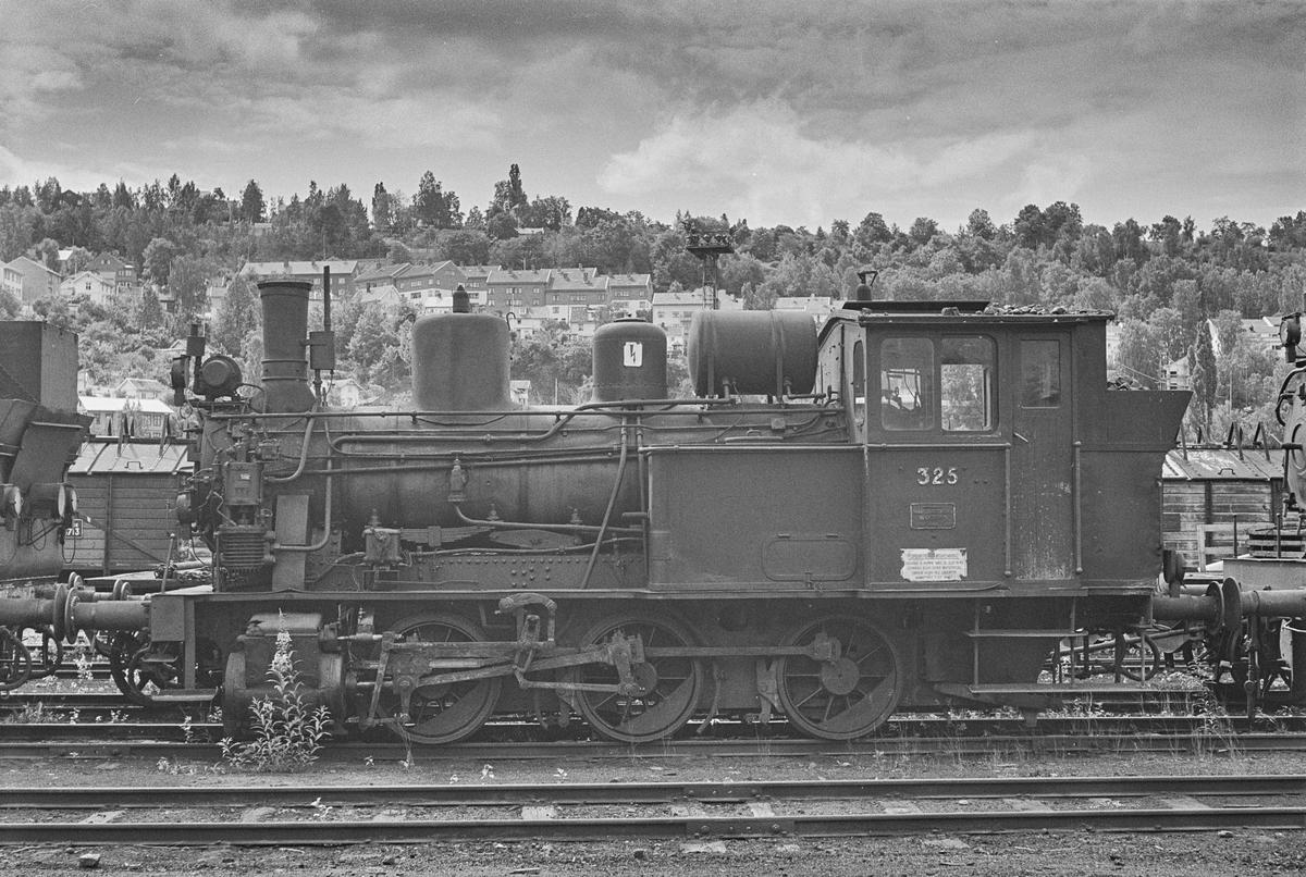 Hensatt damplokomotiv type 25a nr. 325 i Lodalen i Oslo.