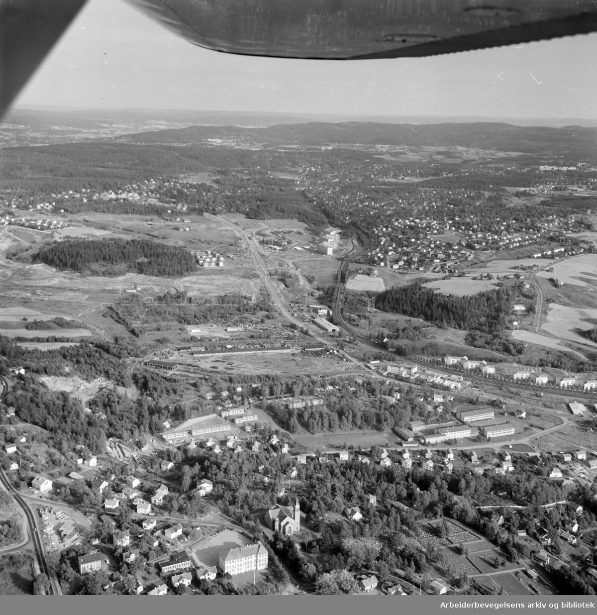 Sogn, Studentbyen. (Flyfoto) Fullt utbygd langs Songsveien. September 1968