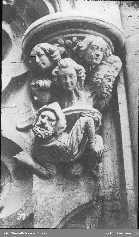 Eksteriør og interiør motiver fra Nidarosdomen.