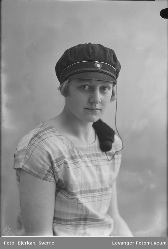Portrett av Åsta Berg