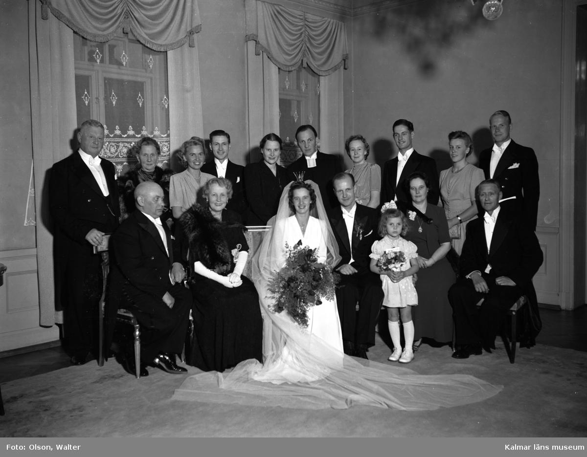 Brudfölje och bild från bröllopsmiddag.