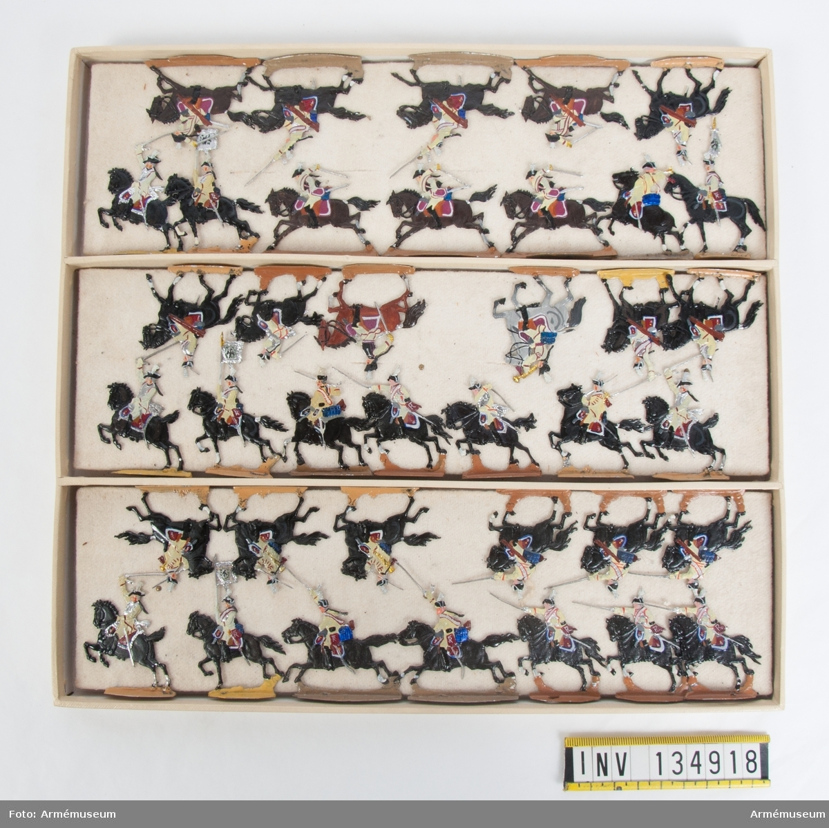 Kyrassiärer från Preussen från sjuåriga kriget. En låda med kavalleri i strid. Fabriksmålade.