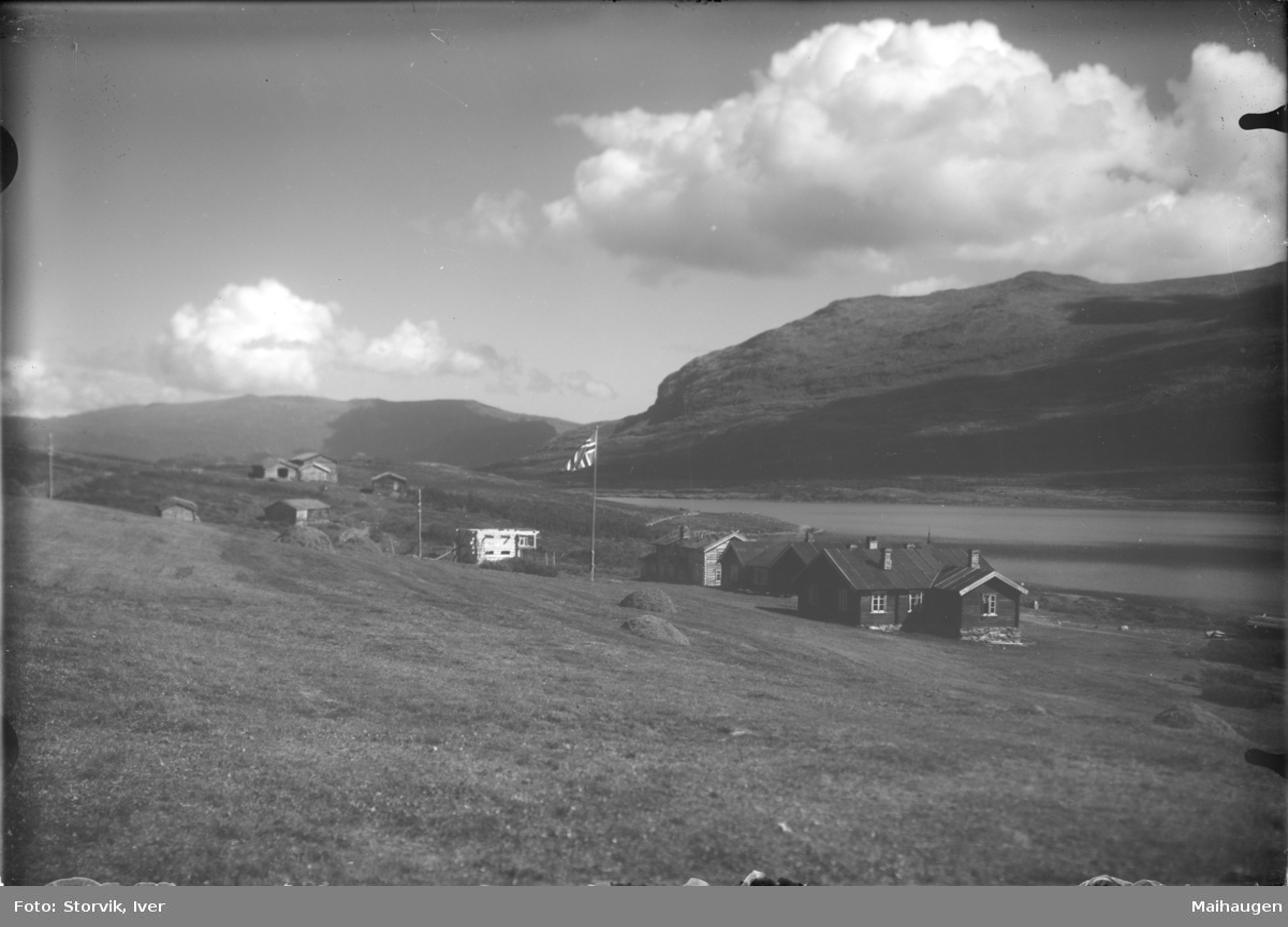 Sjodalen, Bessheim ved Øvre Sjodalsvatnet mot Blessomfjellet