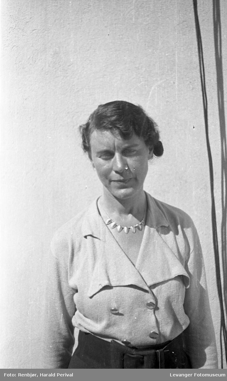 Portrett av kvinne, fru Holtermann., fornavn ukjent.