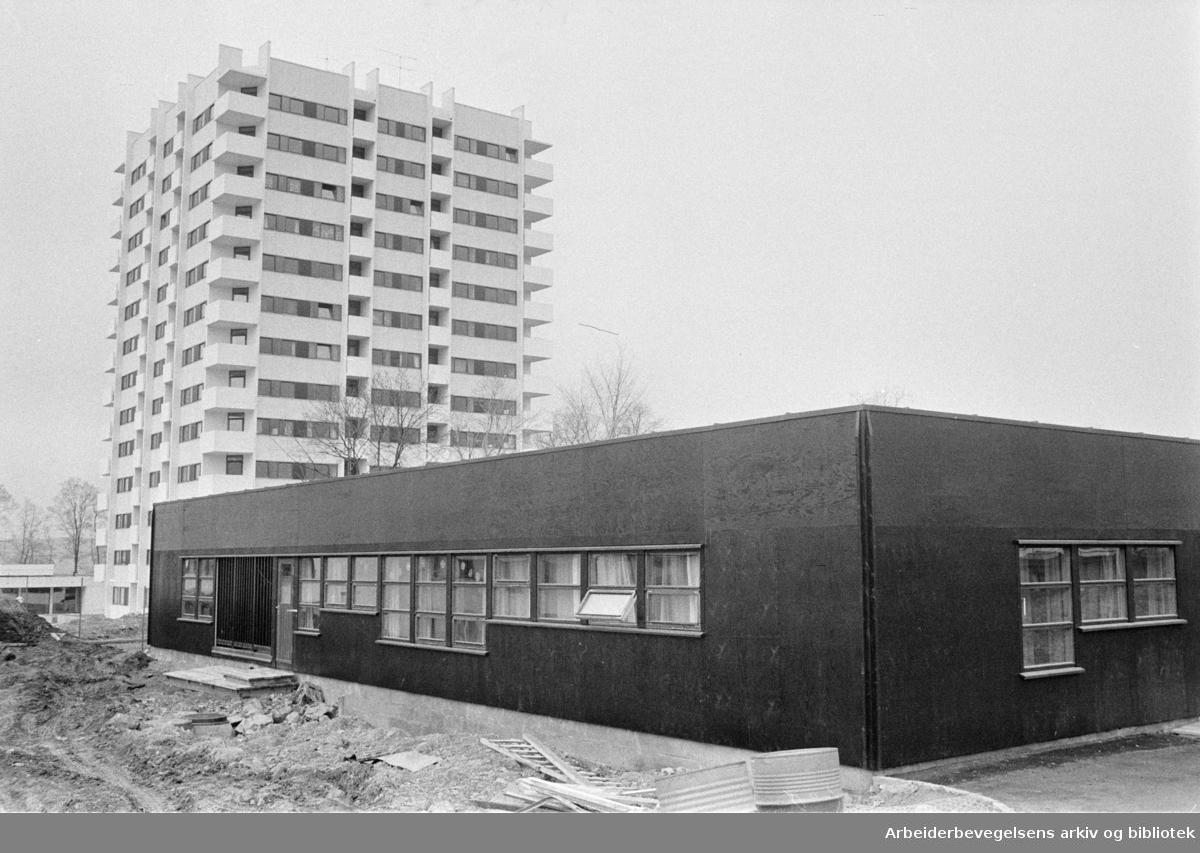 Økern aldershjem for 210 pasienter åpnet. April 1975