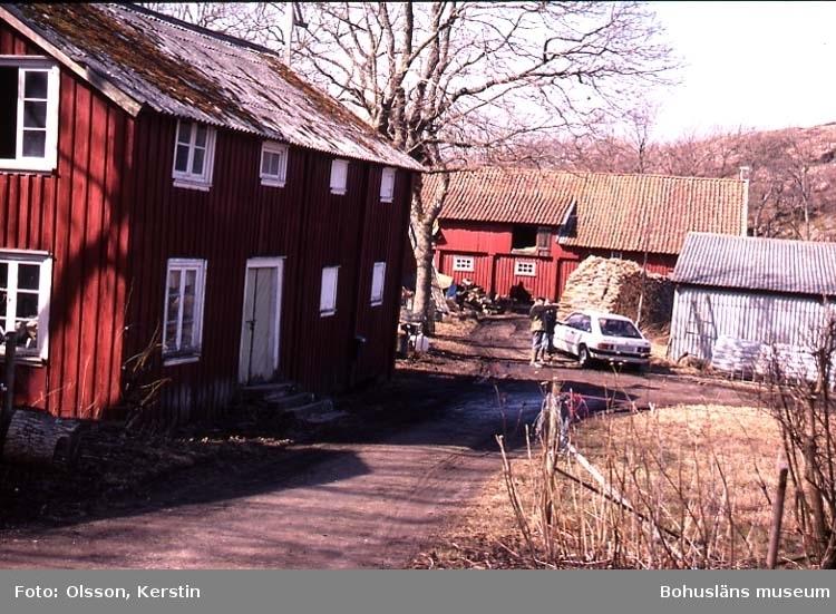 """Text på kortet: """"Näverkärr Bro sn. April 1987""""."""