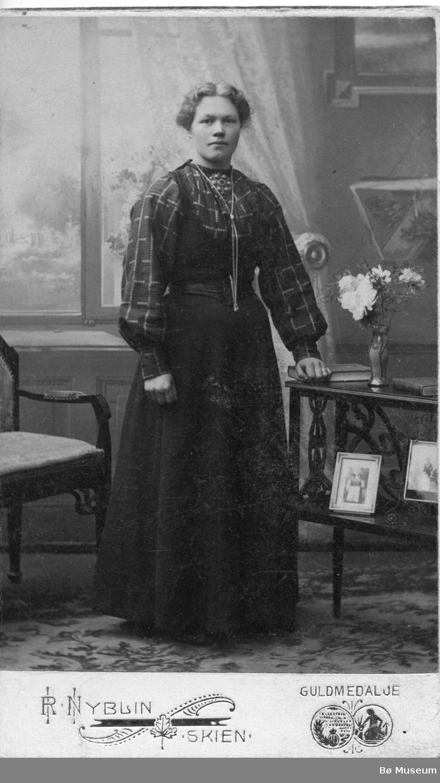Portrett av Helga Torekåsa