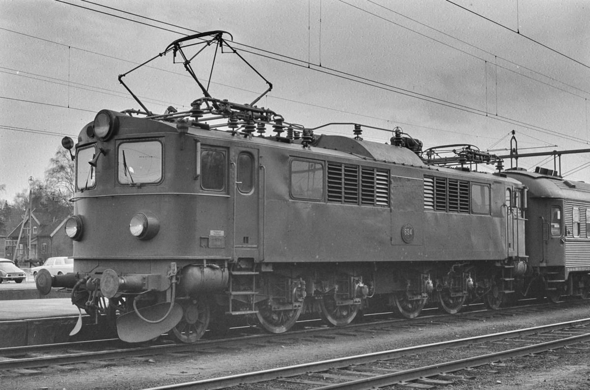 Svensk elektrisk lokomotiv type F nr. 624 i Ângelholm i Sverige.