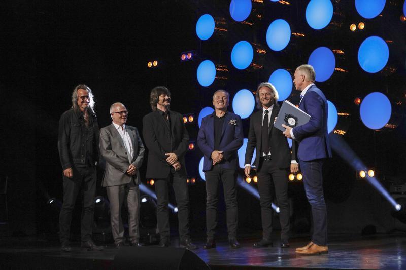 Stage Dolls ble offisielt innlemmet i Rockheim Hall of Fame av Ola By Rise.