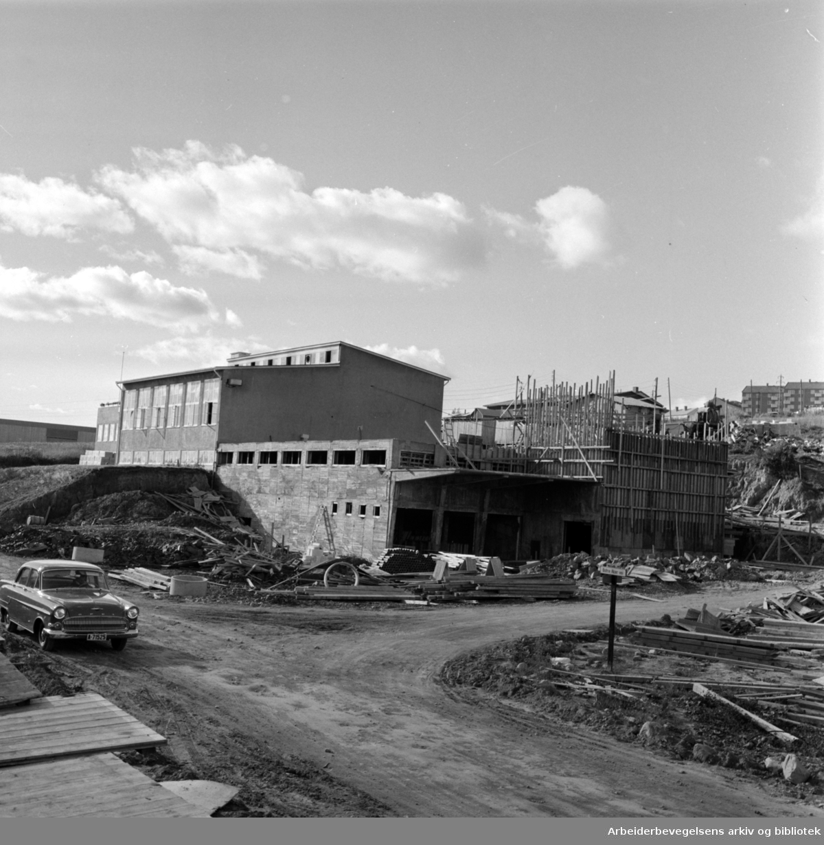 Kalbakken, industrifelter. September 1957