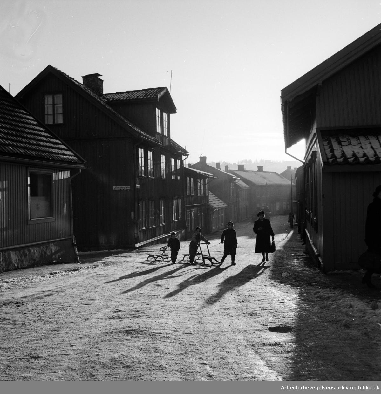 Kampen. Normannsgata. Vinterstemning og gamle hus.Desember 1950