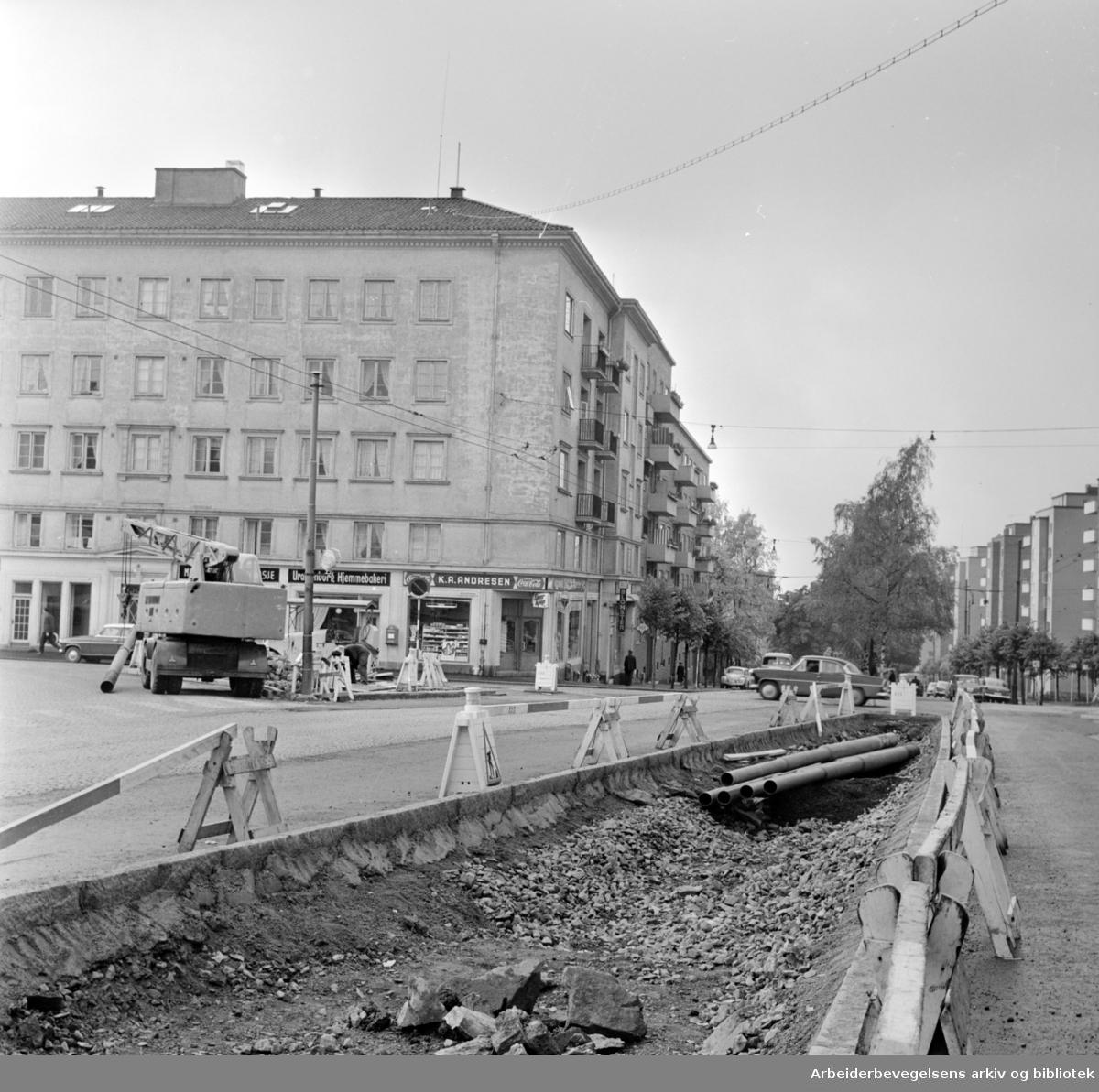 Kirkeveien har blitt bedre. Oktober 1962