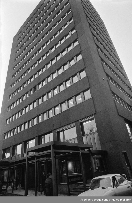 Herslebsgt. 19, Veivesenets bygg. Eksteriør. Januar 1974