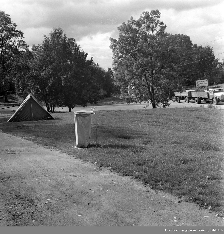 Hvervenbukta Camping. Slutt for sesongen. September 1962
