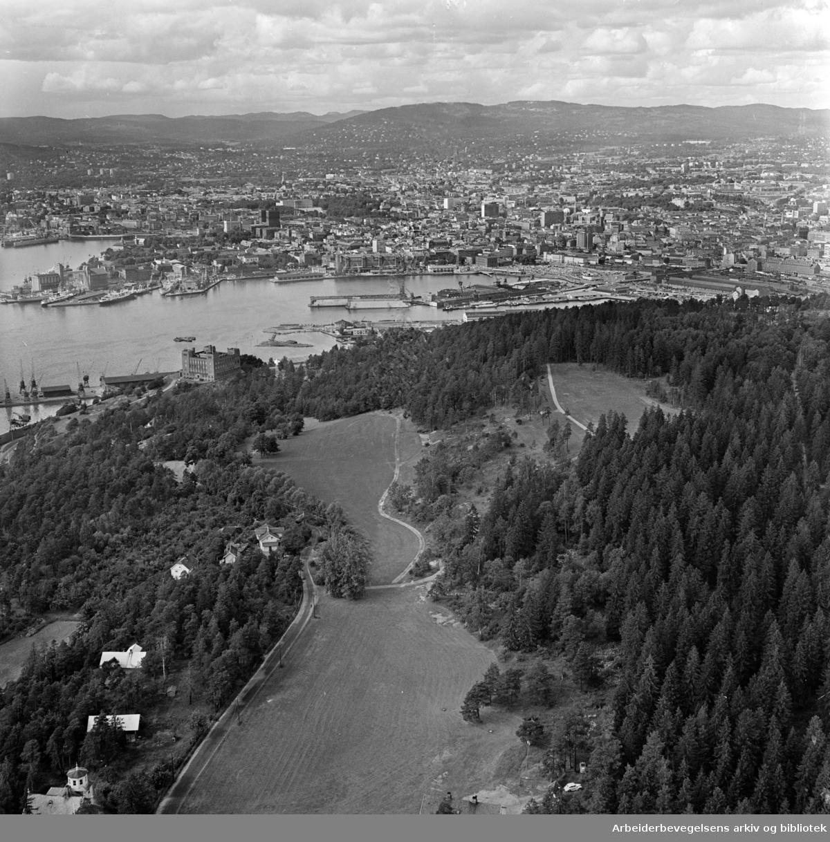 Ekeberg. Det ønskes å lage friluftsbad på Svenskesletta..August 1962