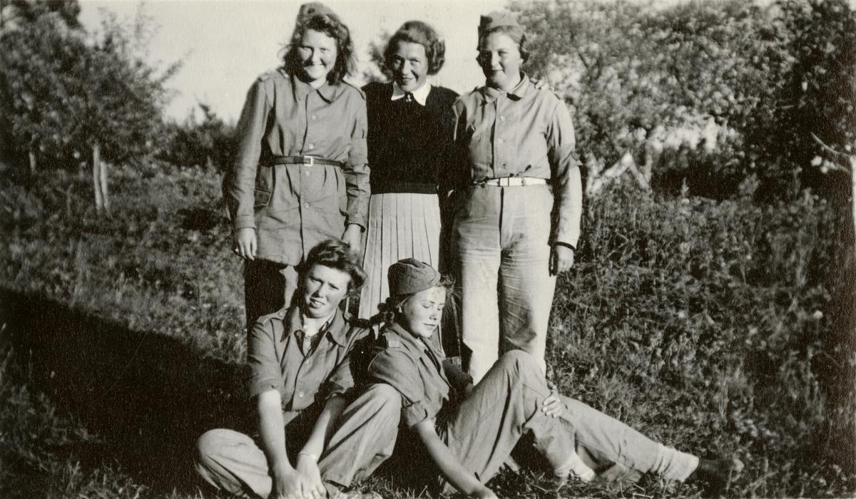 Kvinnor i tjänst 1939-1945.