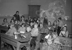 2.klasse piker ved Lademoen skole har juleforberedelser