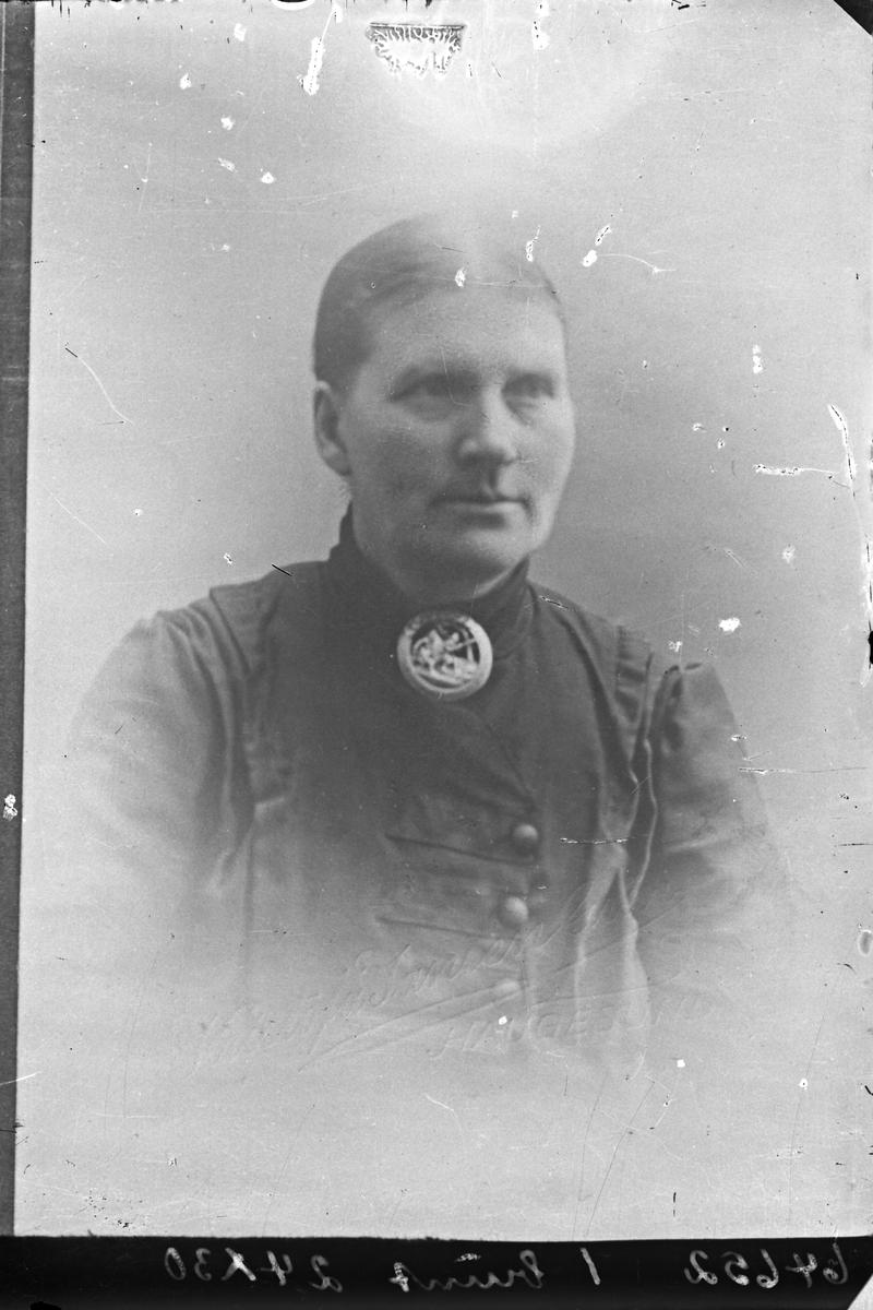 Portrett. Eldre kvinne. Kopi av positiv. Bestilt av Fru Anna Rønnevik. Tysvær.