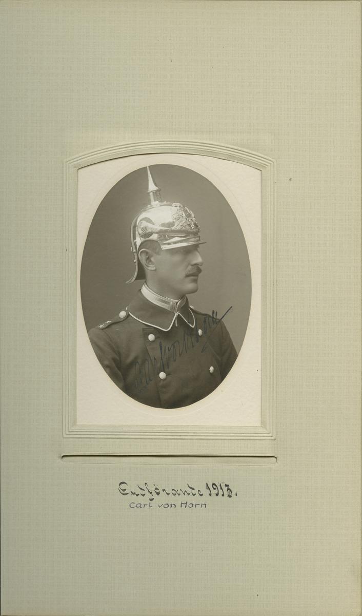 Porträtt av Carl Henning von Horn, löjtnant vid Livgardet till häst K 1.