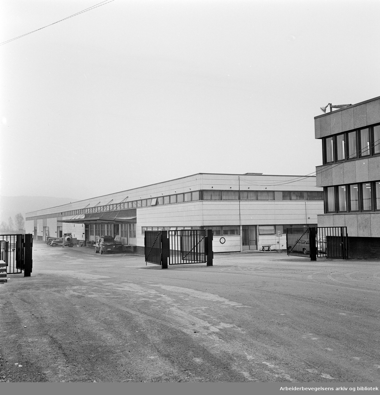 Alnabru. Gustaf Aspelins nye lageranlegg. Eksteriør..November 1961