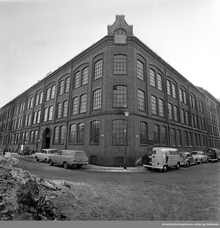 Oslo: Alnagata 11 og Alnafetgata 5. Februar 1963