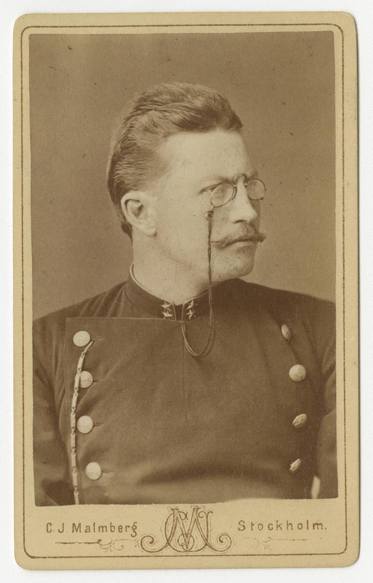 Porträtt av Axel Härdelin, löjtnant vid Hälsinge regemente I 14. Se även bild AMA.0007611.