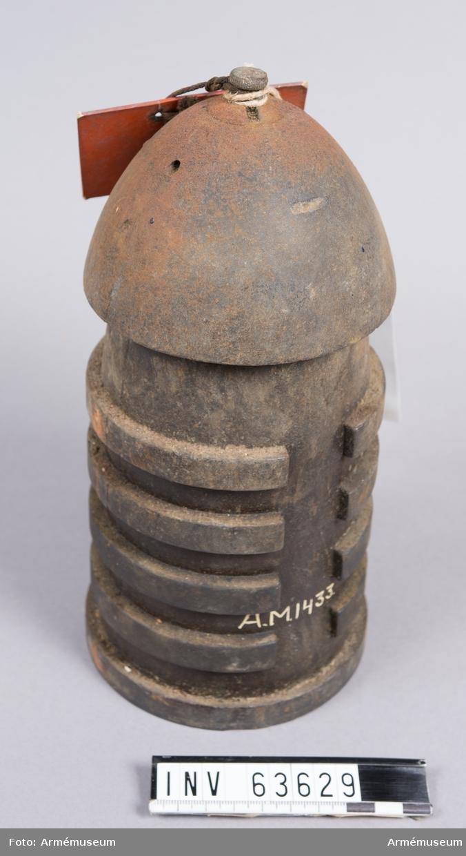 Grupp F II.  Avsedd för blymantel till bakladdnings-, fästnings- och positionskanon m/1864. Blymanteln saknas.