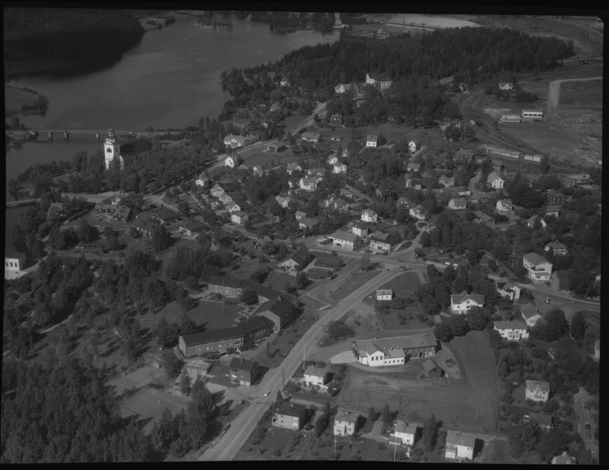 Flygfoto över Västanfors, Fagersta. Tagen 1962 av AB Flygtrafik Dals Långed.