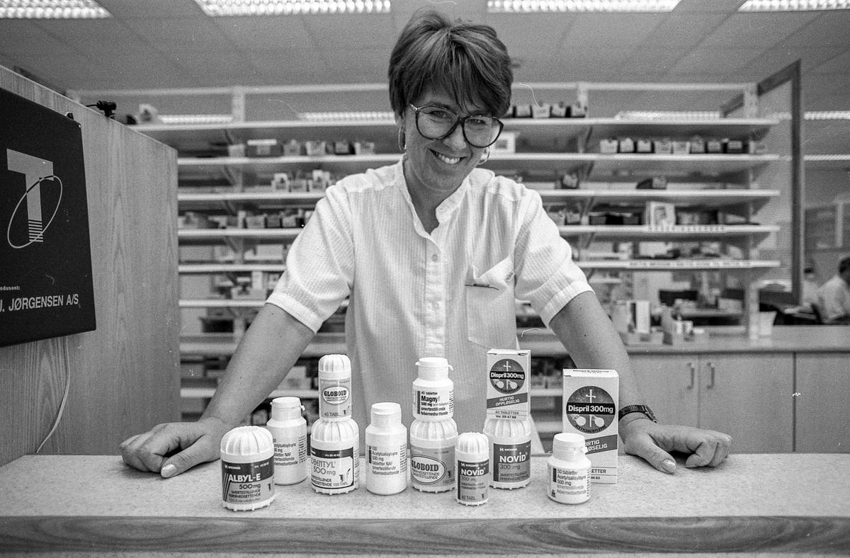 Ski apotek, reseptplikt på smertestillende midler med avetylsalisyrsyre. Informasjonsleder Kirsten Aasen.